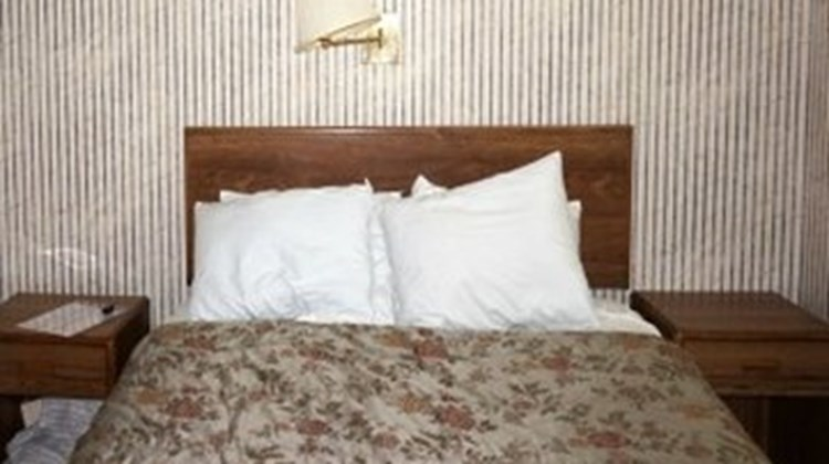 Delton Oaks Resort Motel Room