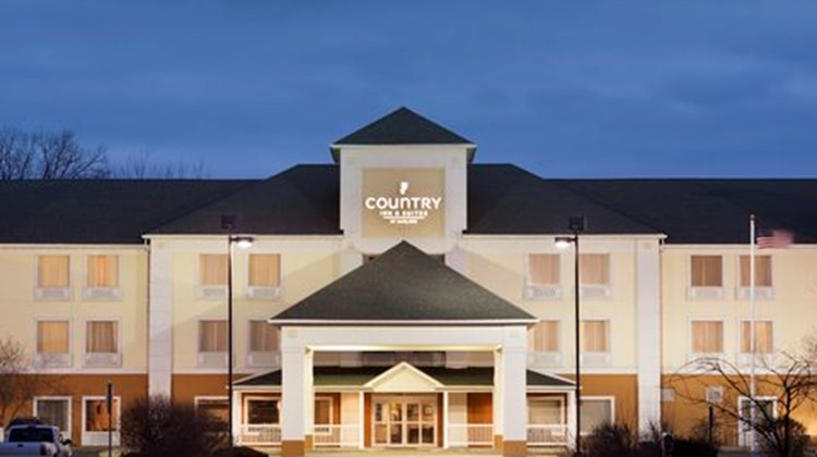 Country Inn & Suites O'Fallon, IL Exterior