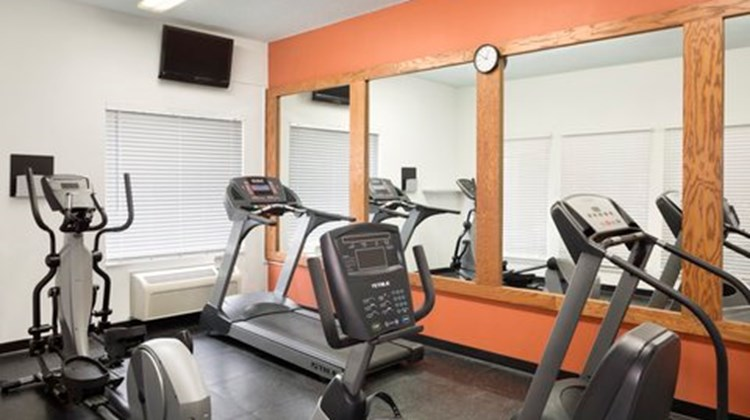 Country Inn & Suites O'Fallon, IL Health Club