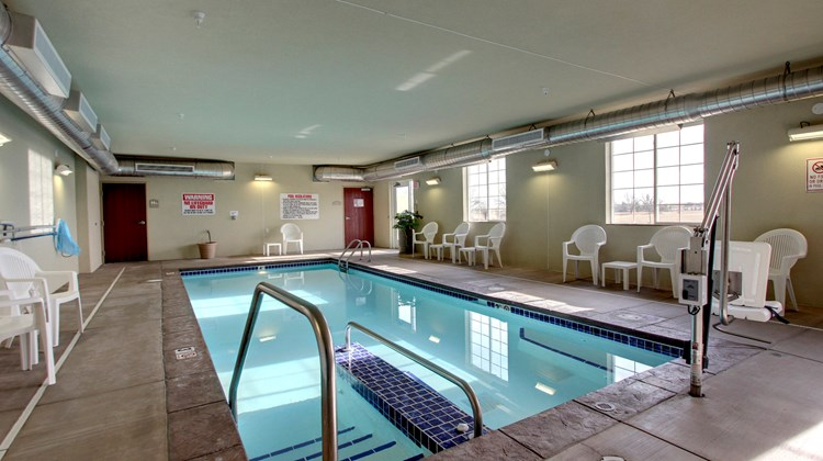 Cobblestone Inn & Suites Pool