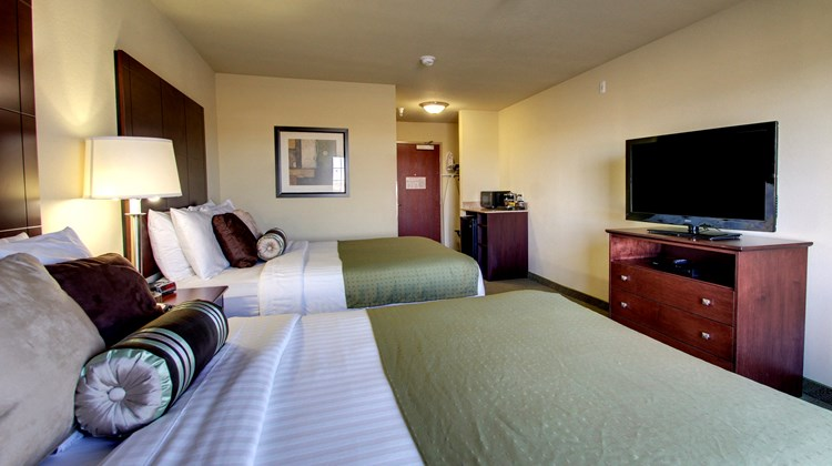 Cobblestone Inn & Suites Room