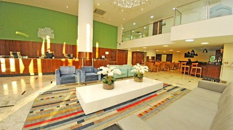 Holiday Inn Express Cuiaba Lobby