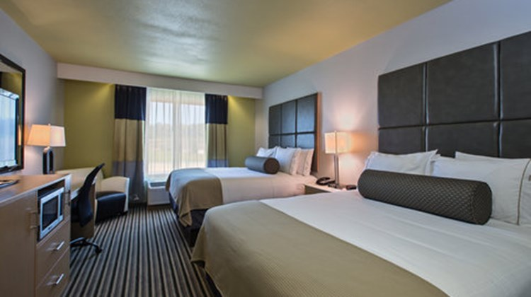 Holiday Inn Express & Suites Carlisle Room