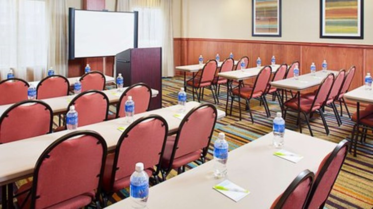 Fairfield Inn & Suites Lafayette South Meeting