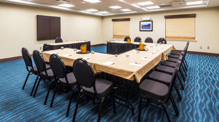 Holiday Inn Express Deer Lake Airport Meeting