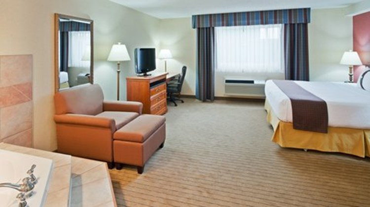 Holiday Inn Hinton Suite