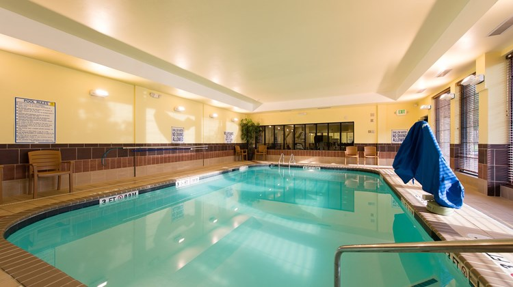 Staybridge Suites Columbia Pool