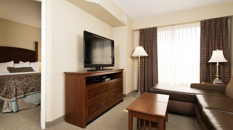 Staybridge Suites Columbia Suite