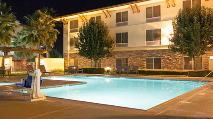 Holiday Inn Express Turlock Pool