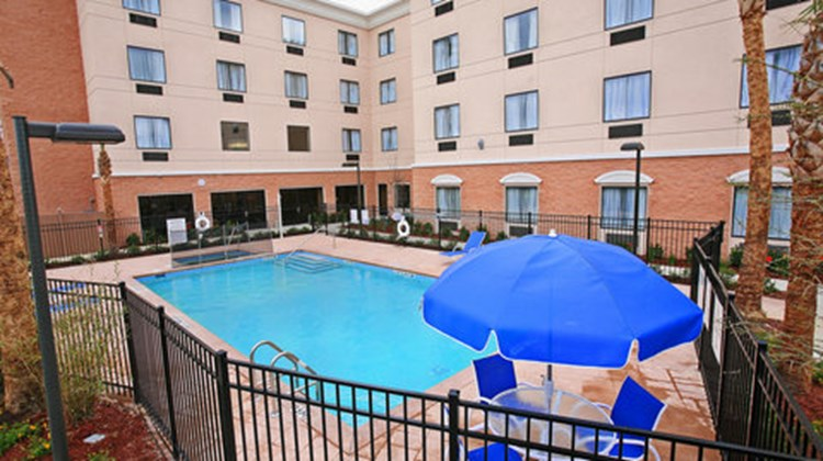 Holiday Inn Express Hotel & Suites -East Pool