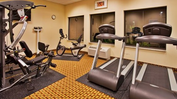 Holiday Inn Express Hotel & Suites -East Health Club