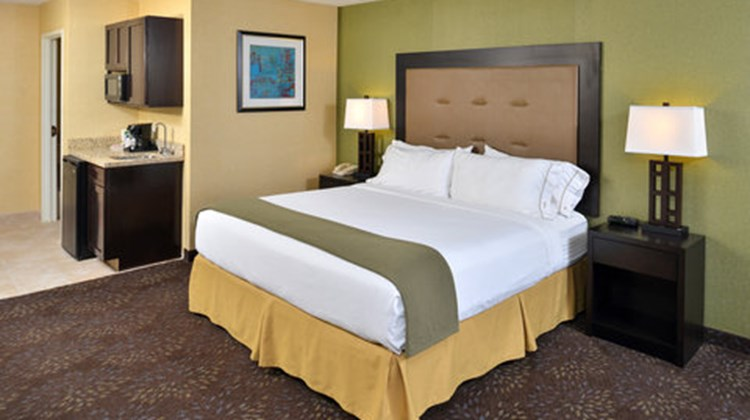 Holiday Inn Express Charlotte Room