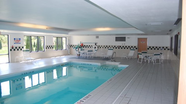 Holiday Inn Express Elkhart Pool