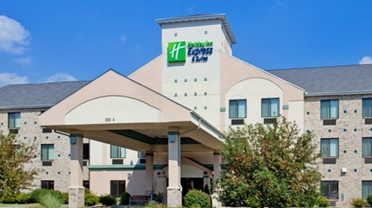 Holiday Inn Express Elkhart Exterior