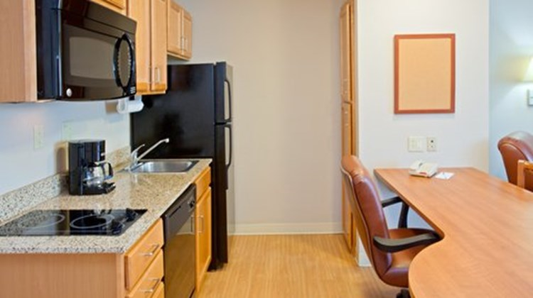 Candlewood Suites Medical Center Suite