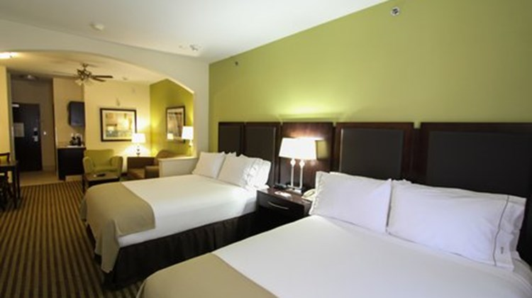 Holiday Inn Express Nacogdoches Suite