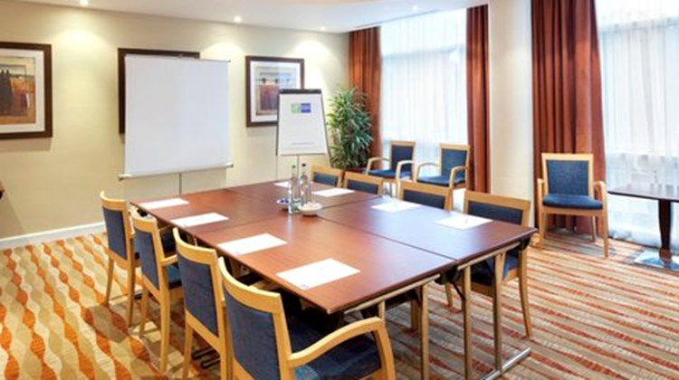 Holiday Inn Express Racecourse Meeting