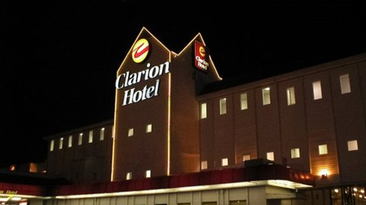 Clarion Hotel Seattle Airport Exterior