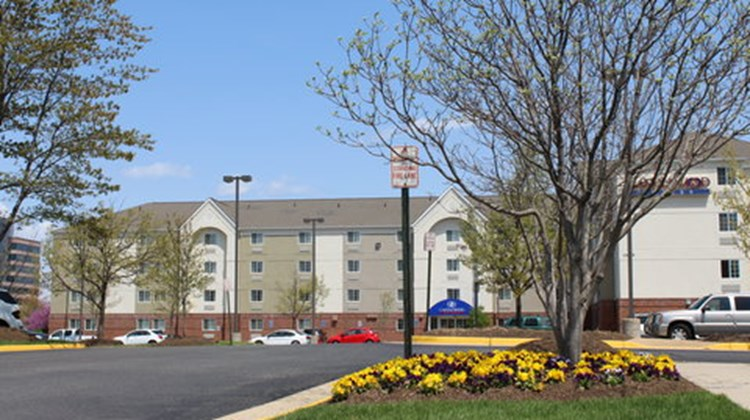 Candlewood Suites Dulles Exterior