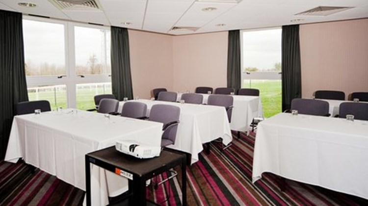Holiday Inn Express Epsom Downs Meeting
