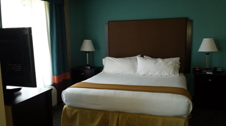 Holiday Inn Express & Stes Havelock Suite