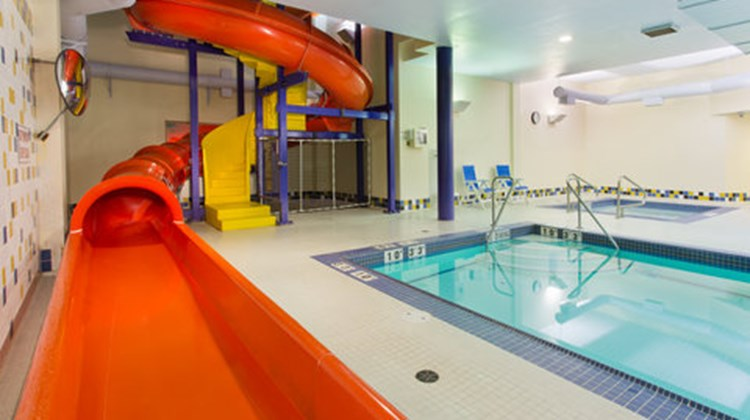Holiday Inn Express Htl & Stes SE COMOX Pool