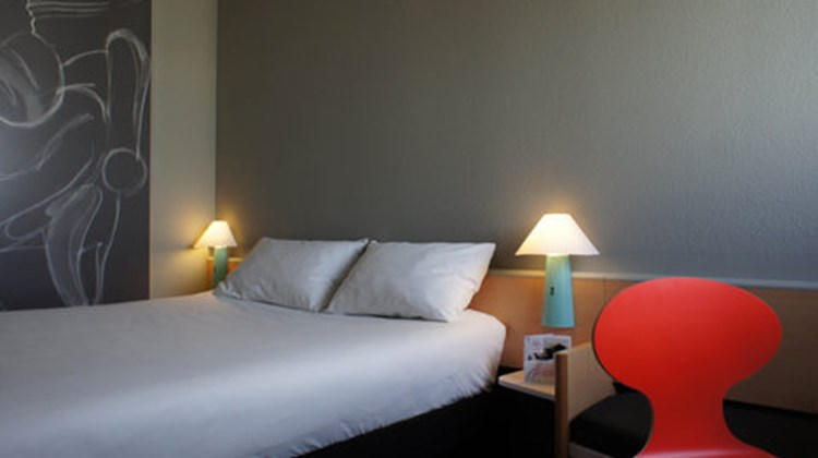 Ibis Hotel Angouleme Nord Room
