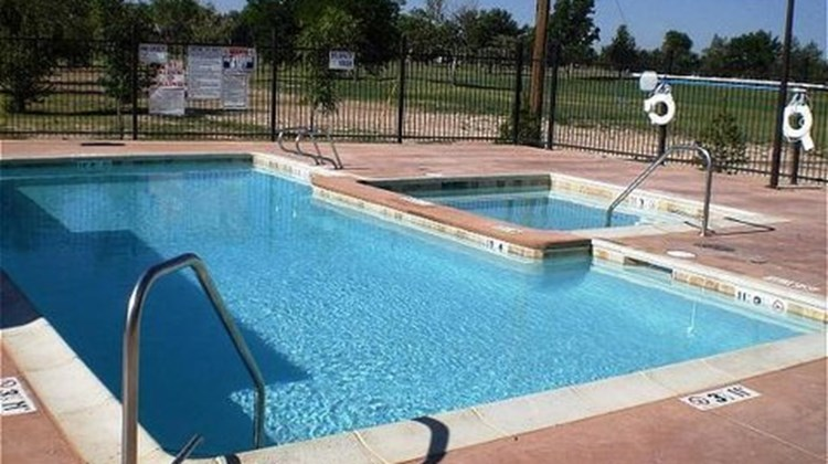 Candlewood Suites Roswell Pool