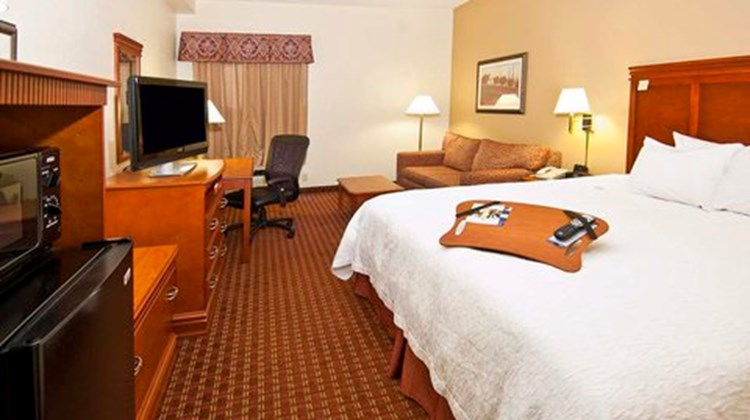 Hampton Inn Corinth Room