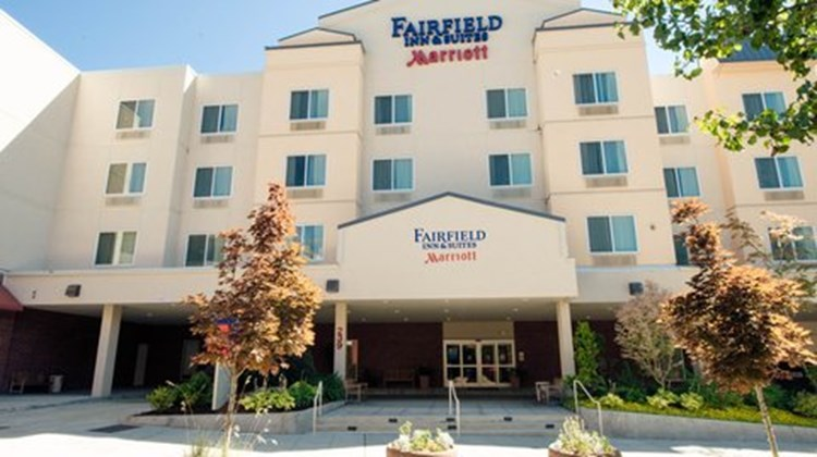 Fairfield Inn & Suites Seattle Bremerton Exterior