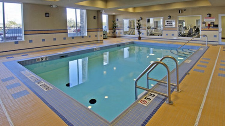 Holiday Inn Express & Suites North Bay Pool
