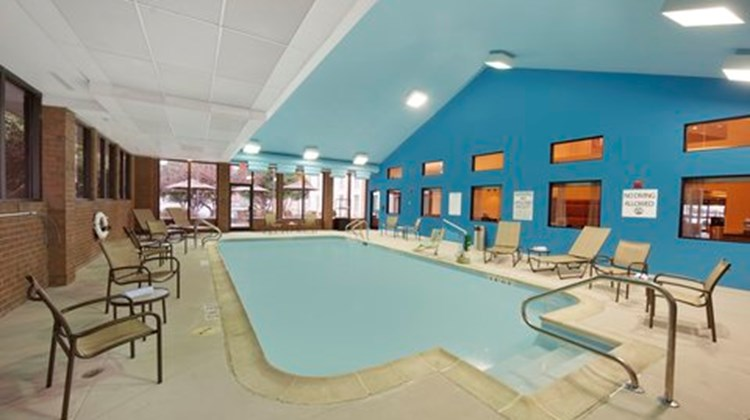 Holiday Inn Express Southpoint Pool