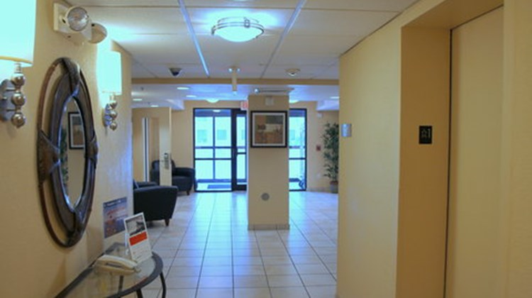 Candlewood Suites Downtown Lobby