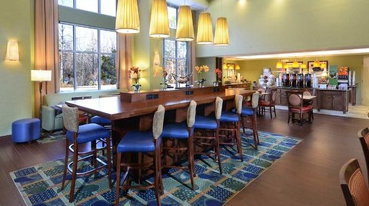 Hampton Inn and Suites Huntersville Restaurant