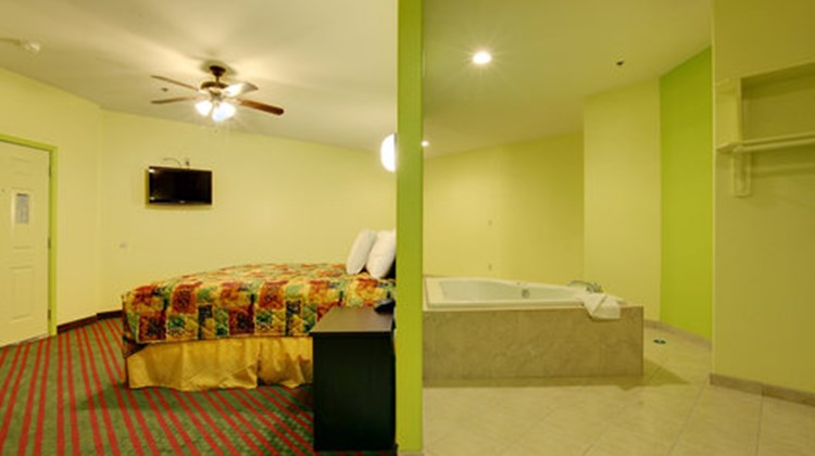 Guest INN San Benito Suite