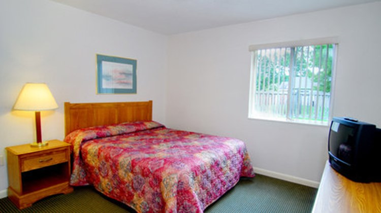 Affordable Suites Rocky Mount Suite