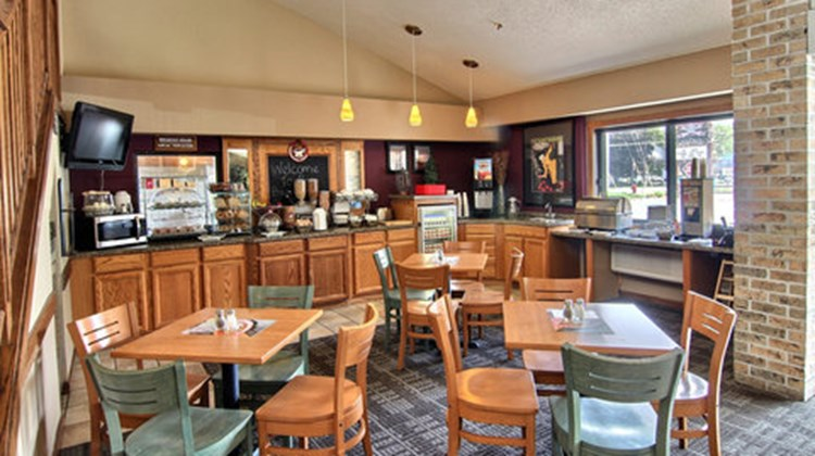 GrandStay Hotel & Suites Traverse City Restaurant