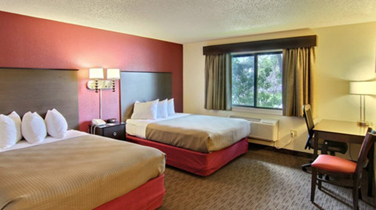 GrandStay Hotel & Suites Traverse City Room