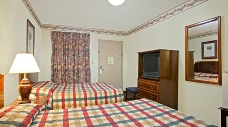 Americas Best Value Inn Chilhowee Park Room