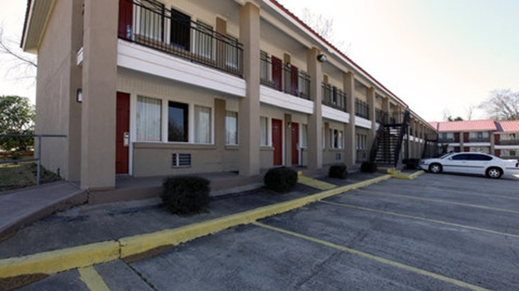 Americas Best Value Inn Exterior
