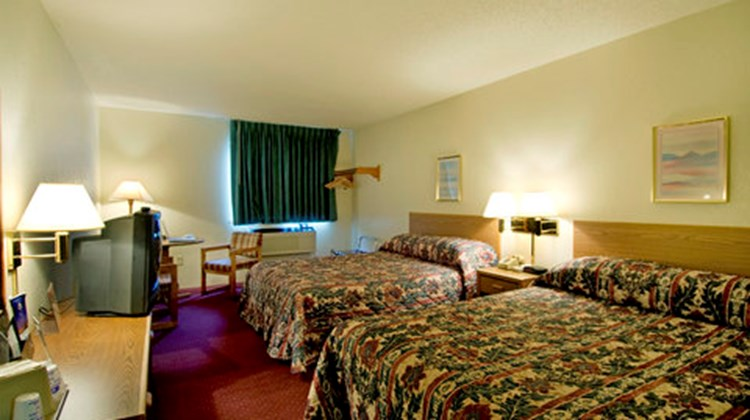 Quality Inn Streetsboro Room