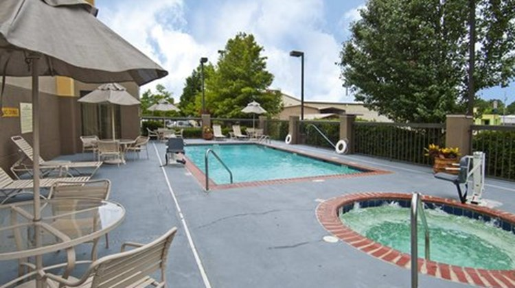 Hampton Inn Jackson-Pearl Intl Airport Pool