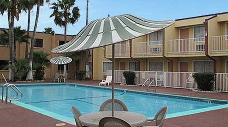 Magnuson Hotel Brownsville Pool