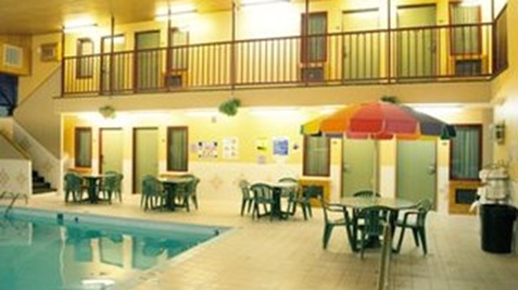 Fireside Inn and Suites Pool