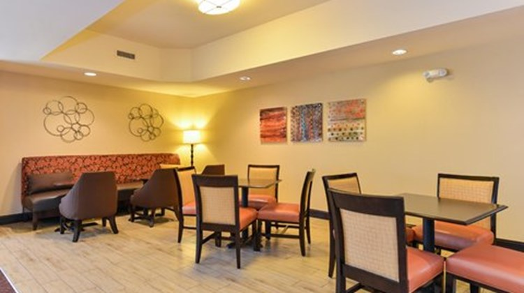 Hampton Inn Raleigh/Clayton Restaurant