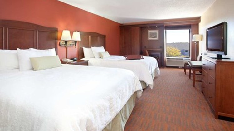 Hampton Inn Cincinnati-Kings Island Room