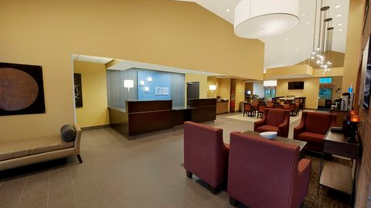 Holiday Inn Express Southpoint Lobby