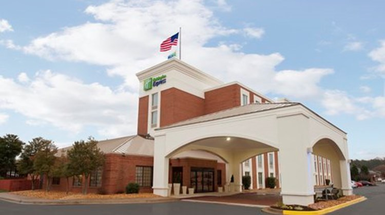 Holiday Inn Express Southpoint Exterior