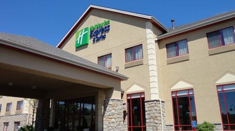 Holiday Inn Express & Stes Olathe North Exterior
