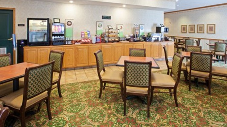Country Inn & Suites Indy Air South Restaurant